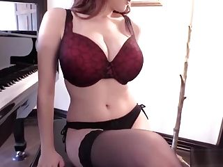 Tessa Fowler - Piano Underwear 1